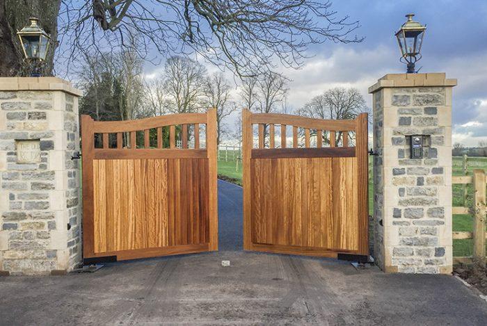 Beckington driveway gate