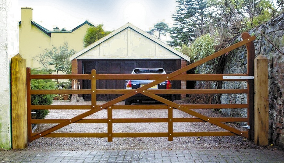 Blenheim 5 bar gate