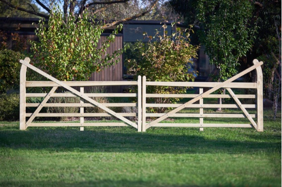 Pair of 5 Bar estate gates