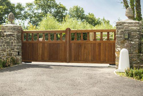 Mendip driveway gate