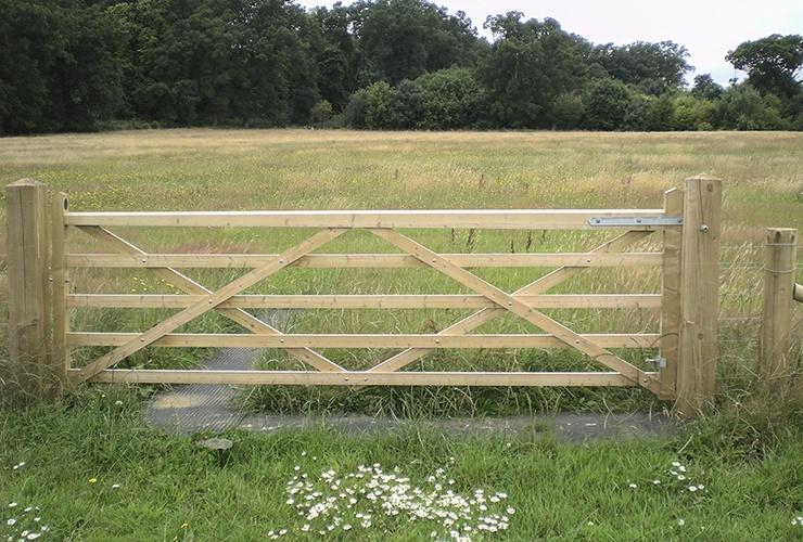Somerfield 5 Bar gate