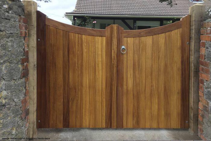 Cotswold driveway gate