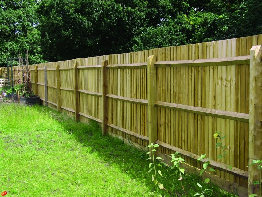 V Notched Posts Amp Arris Rail Charltons Gates And Fencing