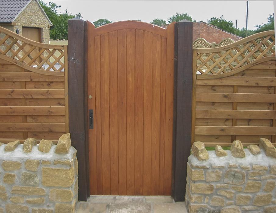 Norfolk side gate