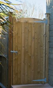 Outward opening gate