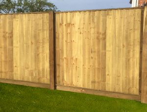 Heavy duty feather edge fence panel
